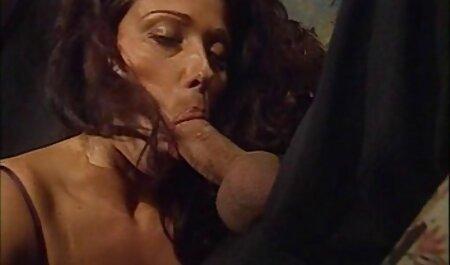 ブロンドfuckerとともにhahalah最初に車の中で、その後彼女の家で エロ 女性 アニメ