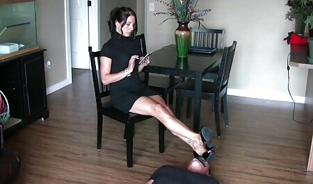 男根または異人種間のフェラチオを吸う強い裸の女性 エロ アニメ 女性 向け