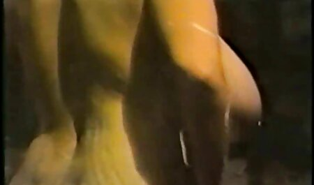 膣を掃除した後、暗い肌のブロンドは彼女の恋人のコックを吸う 女性 用 無料 エロ アニメ